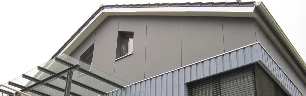 Wohnhaus mit Nebengebäuden / Tragkonstruktion Brettsperrholz